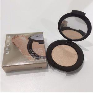 BNIB Becca Shimmering Skin Perfector Moonstone